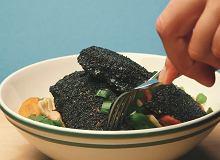 Łosoś na czarno - smażony w maku - ugotuj