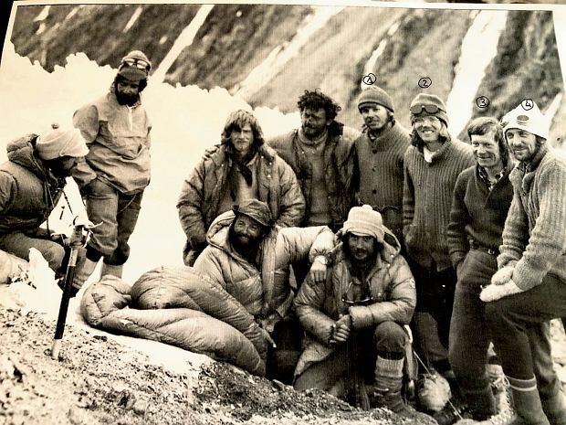 """""""Nasza góra może poczekać, wasz kolega nie"""". Jak Polacy uratowali w Hindukuszu baskijskiego wspinacza"""