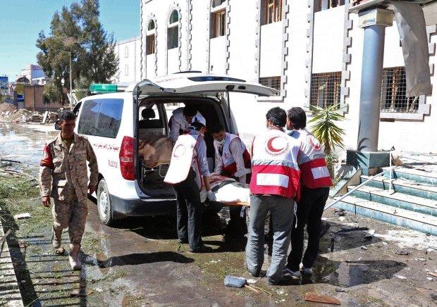 Ranni po zamachu al-Kaidy w Jemenie