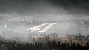 Smog nad Zakopanem. Widok z Gubałówki
