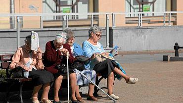 Starsze osoby często ufają sprzedawcom, którzy oferują im ''superoferty''