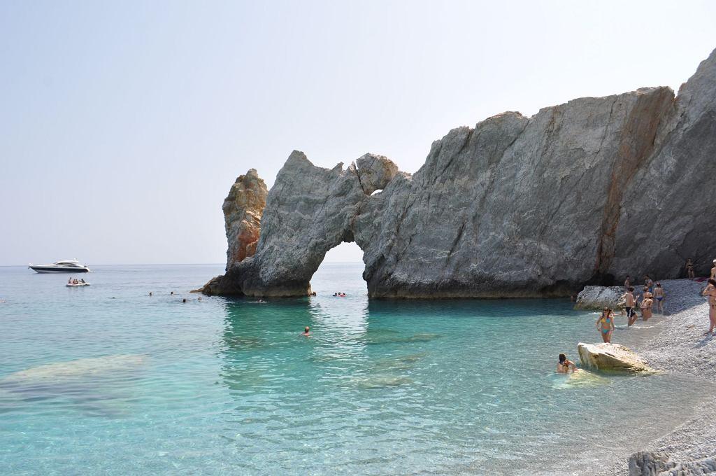 Plaża Lalaria na wyspie Skiatos w Grecji