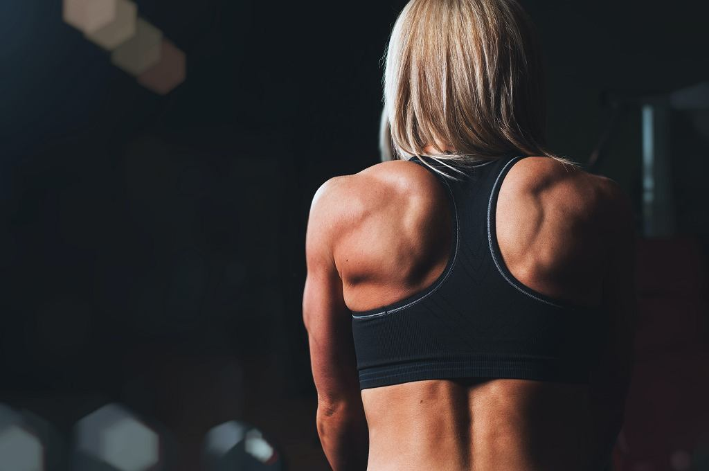 najlepsze ćwiczenie na ramiona