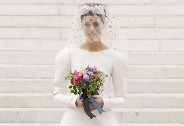 Córka Andie MacDowell zamyka pokaz Chanel haute couture. Jej nietuzinkowa uroda zrobiła furorę w Paryżu