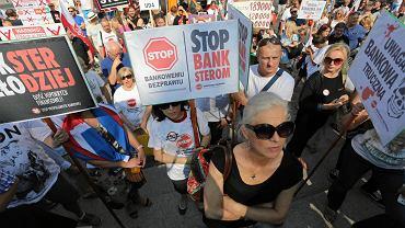 Frankowicze w 2016 roku demonstrowali pod Belwederem