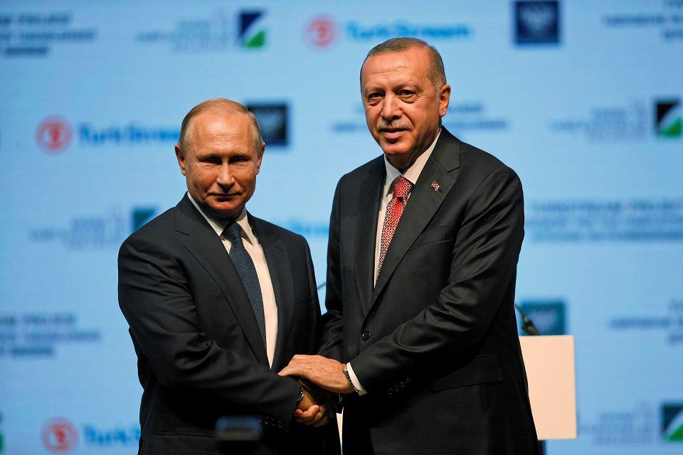 19.11.2018, Stambuł, Władymir Putin i Recep Tayyip Erdogan na ceremonii zakończenia budowy morskiej części gazociągu Turkish Stream.