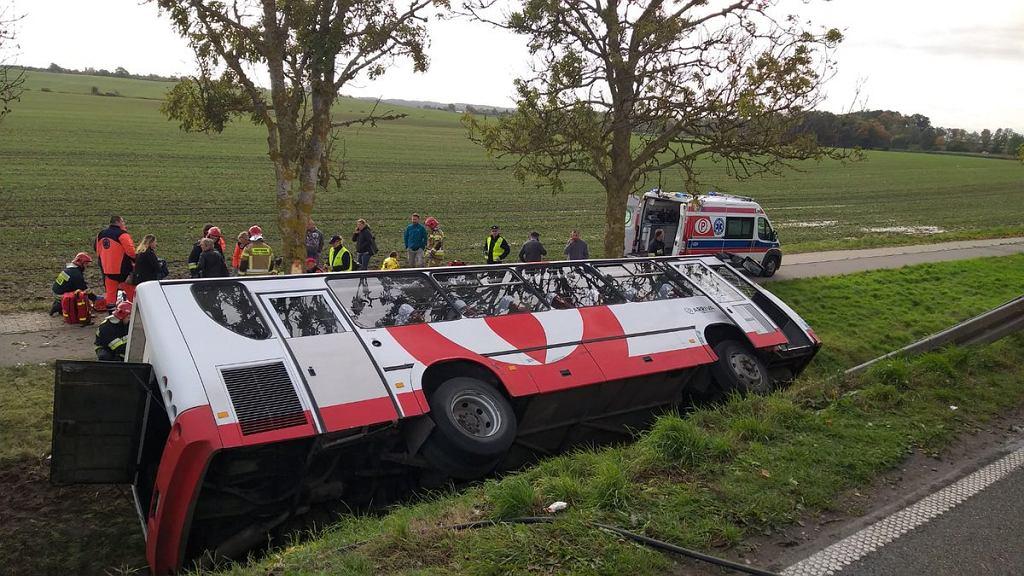 Wypadek autobusu pod Kętrzynem