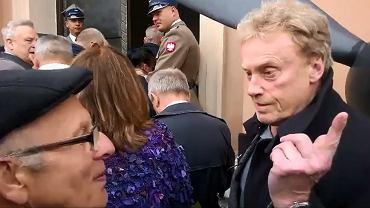 Daniel Olbrychski podczas pogrzebu gen. Jaruzelskiego