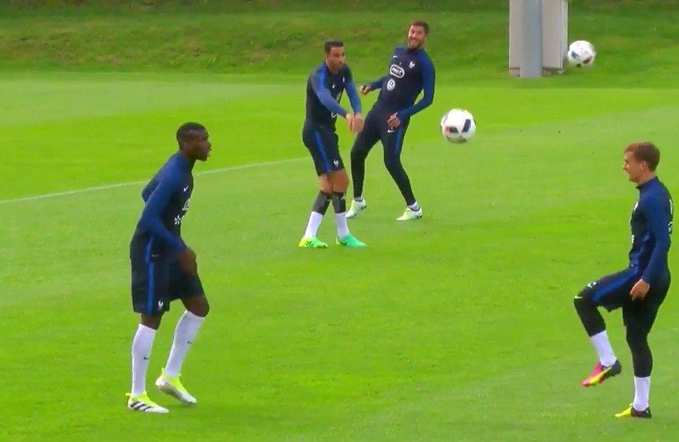 Pogba i Griezmann popisują się podczas treningu reprezentacji Francji