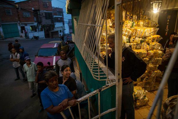 Wenezuela. Punkt dystrybucji dotowanej przez państwo żywności