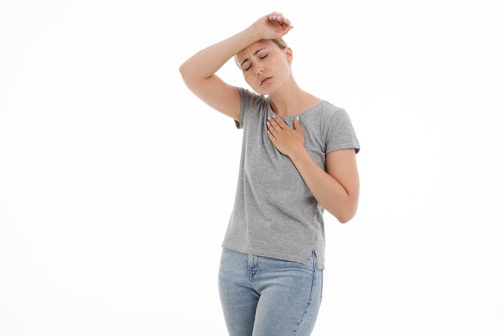Ból w klatce piersiowej, złe samopoczucie