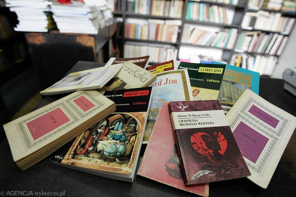 Uczniom powinno się polecać książki jedynie polskich autorów?
