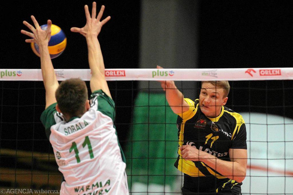 Indykpol AZS Olsztyn - Lotos Trefl Gdańsk 0:3. Maciej Zajder (z nr 11)