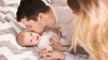 Świadczenie rodzicielskie (kosiniakowe) 2020: komu przysługuje i jaka jest kwota świadczenia?