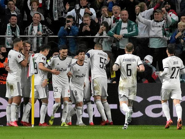 Legia Warszawa była o krok od utraty kompromitującego gola w Pucharze Polski. Ale wymęczyła awans