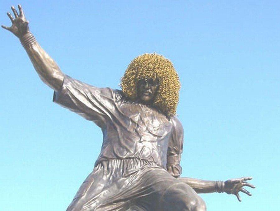 Pomnik piłkarza