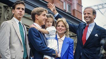 Joe Biden z rodziną - Hunter, Beau, Ashley i żoną Jill Biden