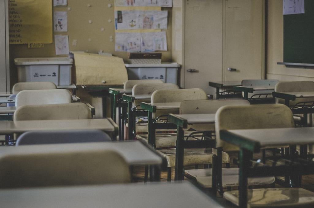 Kontrowersyjna decyzja dyrektorki rzeszowskiego liceum