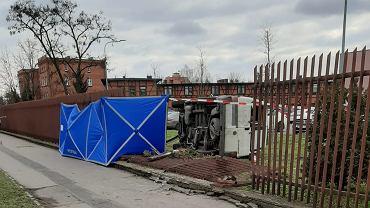 Bydgoszcz. Kierowca dostawczaka śmiertelnie potrącił 69-latkę. Dostał ataku epilepsji