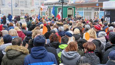 Manifestacja poparcia dla strajku nauczycieli [ZDJĘCIA]