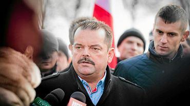 Sławomir Izdebski podczas rolniczej blokady drogi krajowej nr 19 (Białystok - Bielsk Podlaski) w Zabłudowie, 3 lutego 2015 r.
