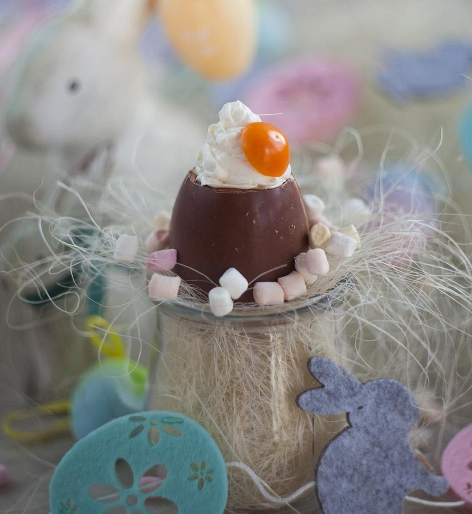 Wielkanocne czekoladowe jajo z ricottą