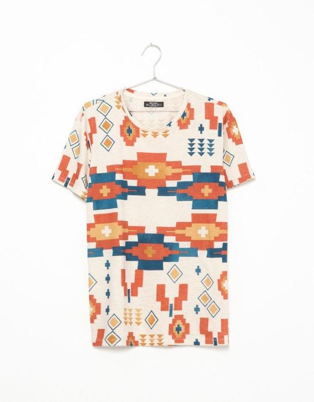 Koszulka z kolekcji Bershka. Cena: 69,90 zł