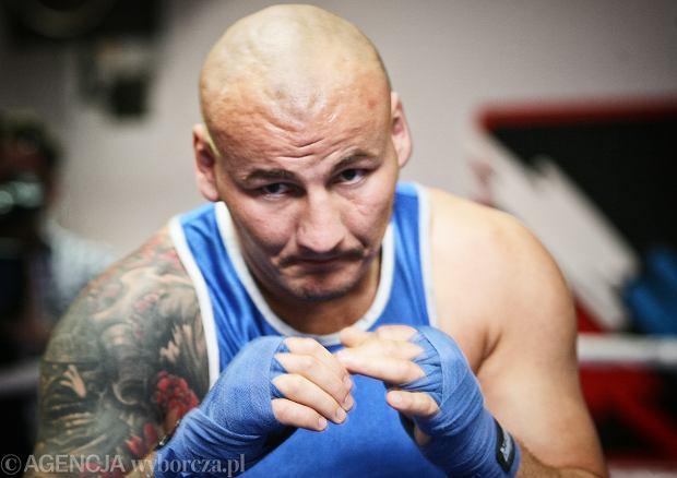 ~Artur Szpilka podczas treningu przed walka bokserska z Brian Minto o tytul WBC Baltic wagi ciezkiej  Wojak Boxing Night  .