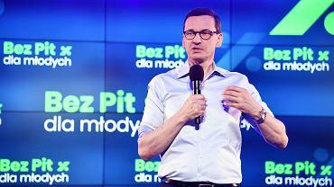 Premier Mateusz Morawiecki podczas konferencji w sprawie programu '#BezPITdlaMlodych', 25 czerwca 2019.