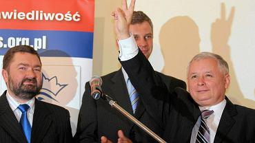 Wrzesień 2007. Jarosław Kaczyński, prezes PiS podczas konwencji wyborczej partii w centrum medialnym przy Foksal w Warszawie.