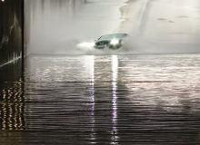 Napęd quattro nie działa pod wodą. Przekonał się o tym kierowca tego audi A7 [WIDEO]