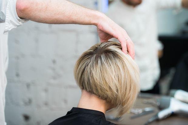 Modne fryzury damskie 2020 krótkie włosy