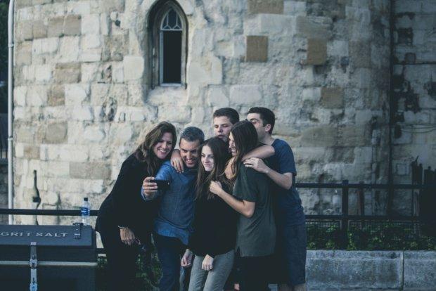 Jak zacząć spotykać się z bliskim przyjacielem