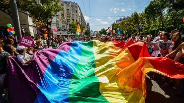 Co oznacza skrót LGBT?