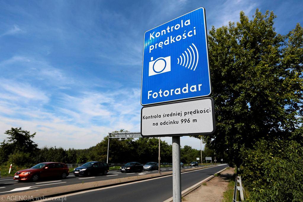 Na drogach pojawią się nowe znaki dot. odcinkowego pomiaru prędkości