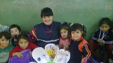 Noelia Garella to pierwsza kobieta w Argentynie i jedna z nielicznych na świecie, która mimo zespołu Downa pracuje jako nauczycielka wychowania przedszkolnego