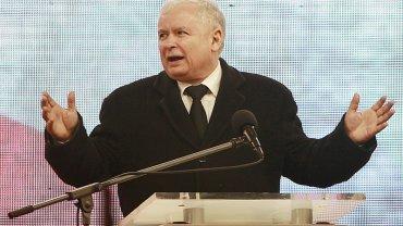 Jarosław Kaczyński przemawia podczas obchodów 6. rocznicy katastrofy smoleńskiej