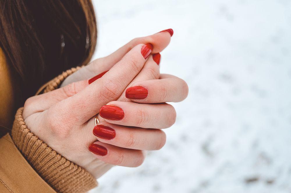 Czy to prawda, że kobietom dłonie marzną szybciej?