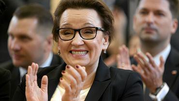 Minister edukacji w rządzie PiS Anna Zalewska podczas gospodarskiej wizyty w SP 21. Lublin, 23 listopada 2016