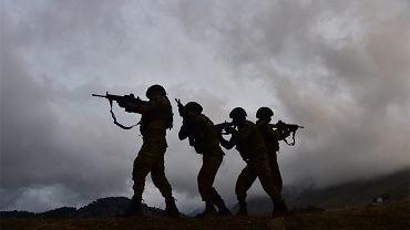 Turcja rozpoczęła operację lądową na północy Syrii