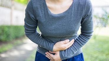 Objawy niedokrwienia jelit to przede wszystkim bóle brzucha