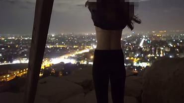 Fotograf z przyjaciółką na szczycie piramidy Cheopsa