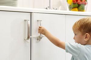 Jak zadbać o bezpieczeństwo dziecka w domu? Te akcesoria pozwolą uniknąć wielu nieszczęśliwych wypadków