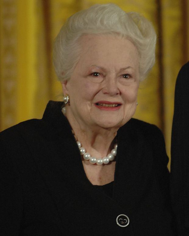 November 17, 2008, Washington ,Dc, DC, USA: Academy Award-winning actress Olivia de Havilland receives the National Medal of the Arts award from President George W. Bush during a ceremony in the East Room of the White House.///Olivia de Havilland. Credit: Christy Bowe / Polaris