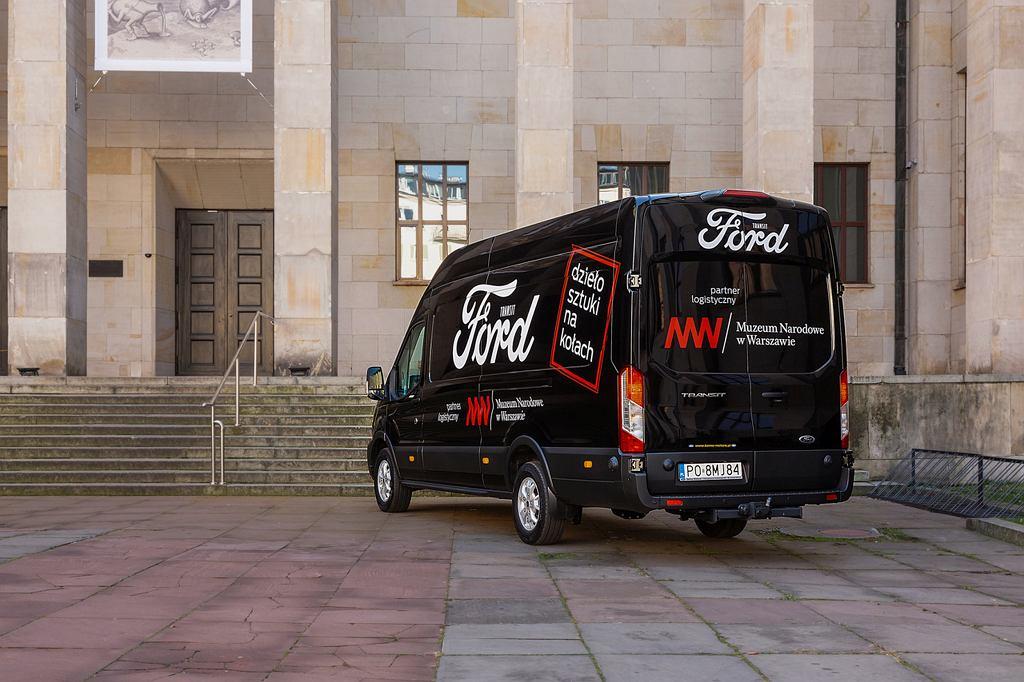 Fordy w służbie bezpiecznego transportu i ochrony zabytków Muzeum Narodowego w Warszawie
