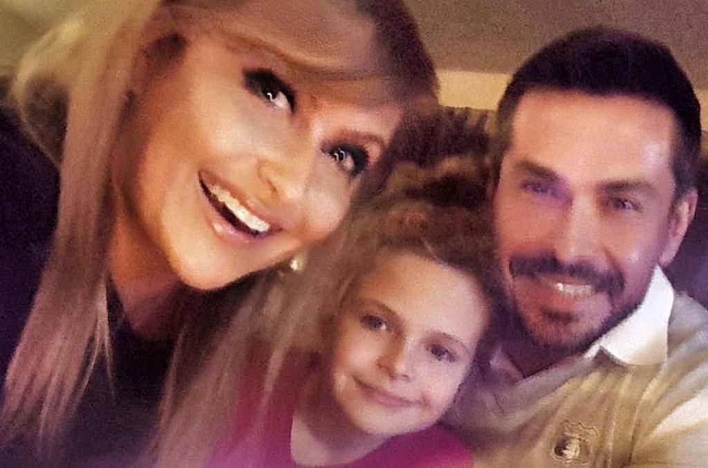 Katarzyna Skrzynecka z mężem i córką