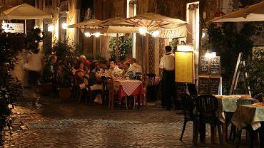 Turyści zapłacili w Rzymie ponad 500 złotych za przekąski