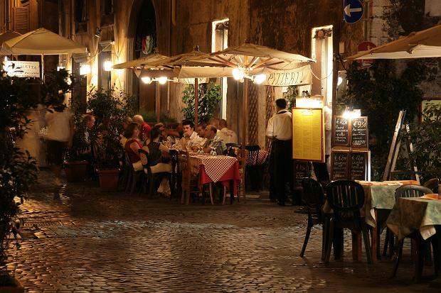 Turyści zapłacili w Rzymie ponad 500 złotych zaprzekąski. Jeden hot dog kosztował 94 złote