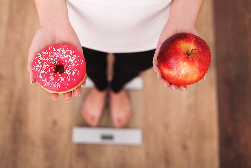 Dieta odchudzająca polega na ograniczeniu wartości kalorycznej posiłków, przy zachowaniu jak największej wartości odżywczej produktów.