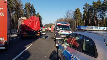 Wypadek z udziałem autokaru na DK 51